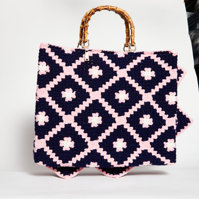 la-milanesa-borsa-crochet-blu-rosa