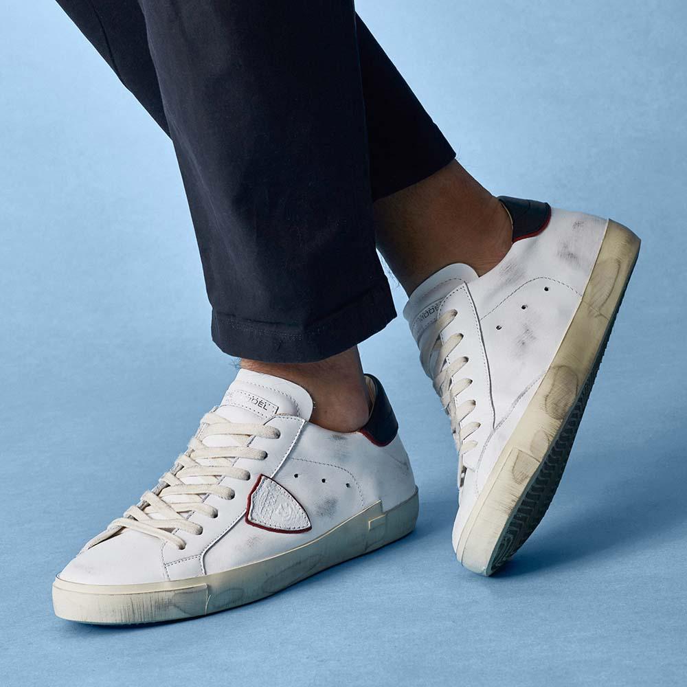 uomo-reposi-sneaker